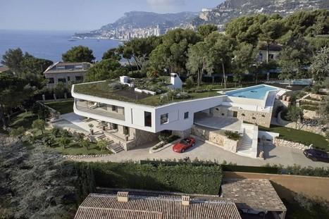 Splendide villa contemporaine avec toit terrasse végétalisé et sa piscine | Construire Tendance | Scoop.it