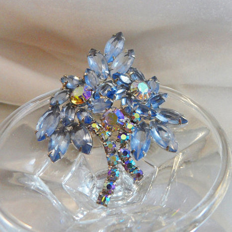 Vintage Juliana Brooch. D&E. Delizza and Elster. Ice Blue Rhinestones. AB   I Love Vintage Jewelry   Scoop.it