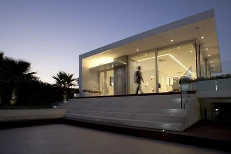 Villa con Piscina in Catania by Sebastiano Adragna | Awesome Architecture | Scoop.it