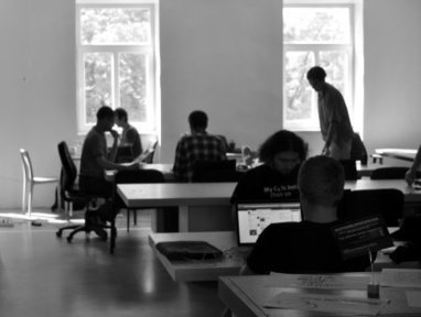 'Accelerate Serendipity': Independent Workers Turn to Coworking for Structure and Social Life | La Cantine Toulouse | Scoop.it