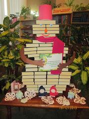 Книжкові інсталяції у бібліотечному просторі | БиблиоДАЙДЖЕСТ | Scoop.it