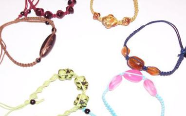 Cómo hacer nudos para pulseras - Las Manualidades   Beads and more   Scoop.it