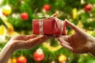 The Psychology of Gift Giving: Unique and Expensive or Ordinary but Useful? ~ Science Storiented | this curious life | Scoop.it