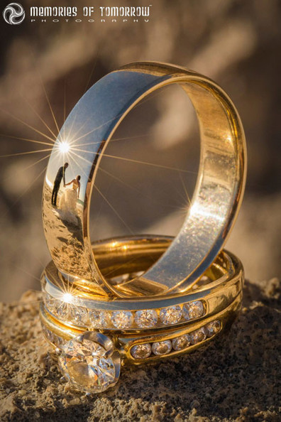 These Wedding Ring Photos Have Reflections of the Newlyweds | xposing world of Photography & Design | Scoop.it
