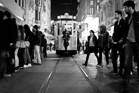 Ein Rückblick? Street Photography in Mailand | Fujifilm X Series APS C sensor camera | Scoop.it