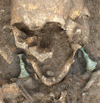 Dark Age Necropolis Unearthed in France - Archaeology Magazine | The Merovingian Kingdoms | Scoop.it