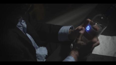 Une bouteille de Vodka équipée d'un ecran LED capable d'afficher des messages personnalisés | Geekeries & Langues de puce | Scoop.it