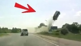 UVioO - Horrible accident in Russia FRONT TIRE EXPLOSION / Tyre Burst FATAL CRASH | Interesting | Scoop.it