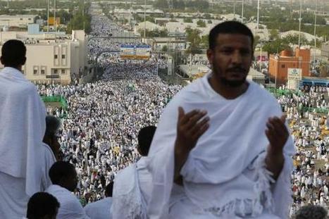 Mecca pilgrims snap selfies between prayers | High school success | Scoop.it
