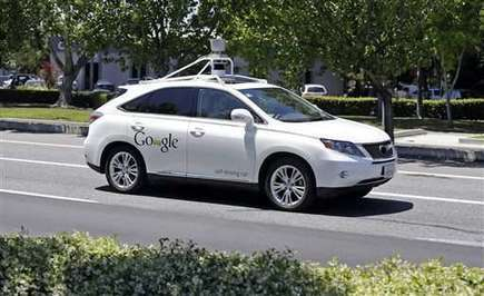 Google acknowledges 11 accidents with its self-driving cars   INTRODUCTION TO THE SOCIAL SCIENCES DIGITAL TEXTBOOK(PSYCHOLOGY-ECONOMICS-SOCIOLOGY):MIKE BUSARELLO   Scoop.it