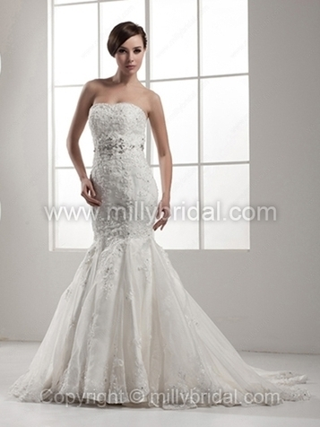 Trumpet/Mermaid Sweetheart Organza Court Train Appliques Wedding Dresses - www.millybridal.com | wedding and event | Scoop.it
