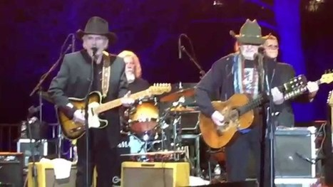 "Willie Nelson and Merle Haggard play ""It's All Gone to Pot"" - YouTube 
