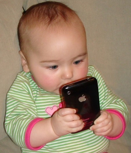 One Third Of Low-Income Babies Use Mobile Devices Before They Can Walk or Talk | Online Business Manager's POV | Scoop.it