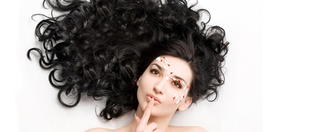 10 Best Habits That Make Your Hair Stronger – Bally Chohan | Fashion and Beauty | Scoop.it