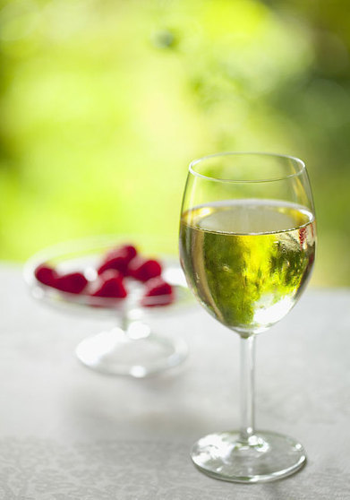 Lighter whites: perfect low-percentage wines for summer | Vitabella Wine Daily Gossip | Scoop.it