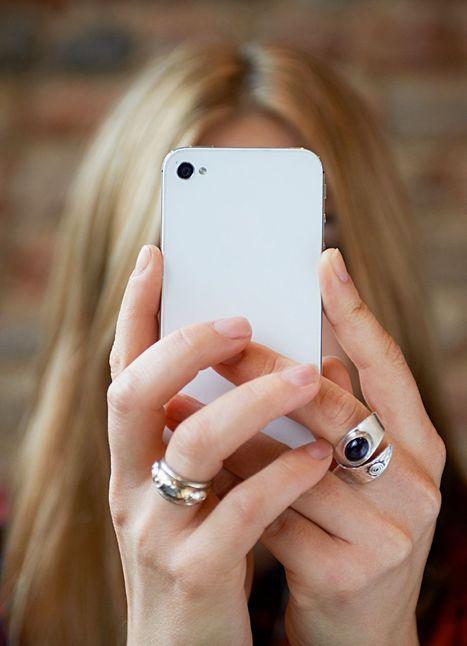 4 Ways to Get Your Wedding Guests to Put Away Their Freakin' Phones - Glamour (blog) | Weddings | Scoop.it