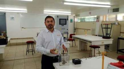 Mexican engineer extracts gas from urine to heat shower | Cool Future Technologies | Scoop.it