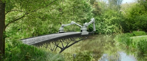 "3D Printed Steel Pedestrian Bridge Will Soon Span an Amsterdam Canal | L'impresa ""mobile"" 