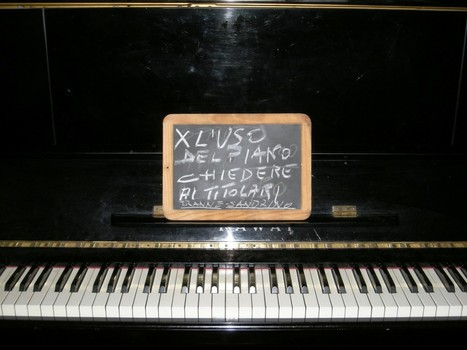 Attenzione: PER L'USO DEL PIANO CHIEDERE AI TITOLARI... TRANNE SANDRINO! | FOTO GRUPPO DOC LIVE 2014 | Scoop.it