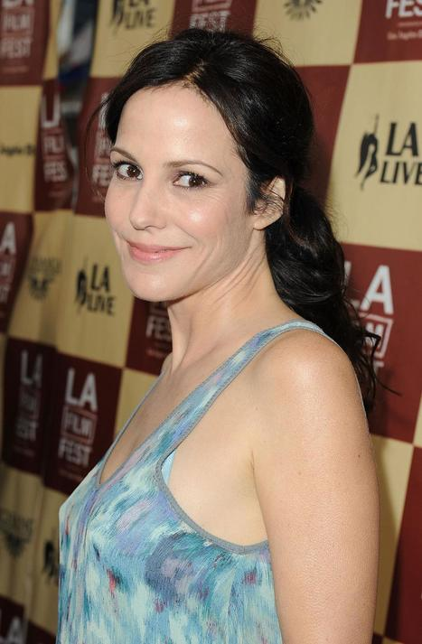 Mary-Louise Parker at award ceremony | Mary-Louise Parker Photos | FanPhobia - Celebrities Database | Celebrities and there News | Scoop.it