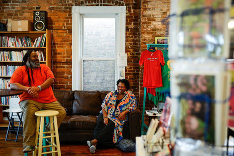 The Neighborhood Bookstore's Unlikely Ally? The Internet | Commerce and Payments | Scoop.it
