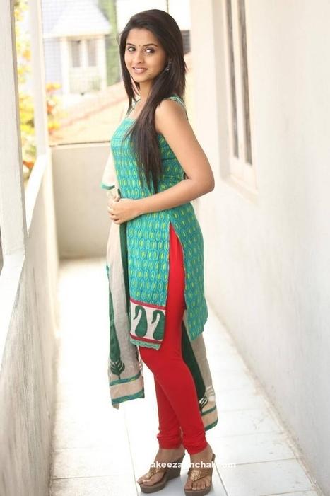 Arthana Binu Vijayakumar in Sleeveless Printed Churidar Dress | Indian Fashion Updates | Scoop.it