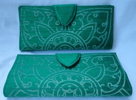 fair trade Cambodia. Silk printed pattern lady purses, ethically handmade by disadvantaged producers group.   Handmade Cambodia   Scoop.it