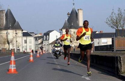 Semi Marathon Jean-Paul CARDINEAU 01 AVRIL 2013 | Chatellerault, secouez-moi, secouez-moi! | Scoop.it