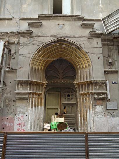 جدران مدينة متعَـبة | Mirhan Damir | Scoop.it