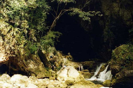 A Maya Wet Cave Adventure in Belize: Cave Swimming | Belize in Social Media | Scoop.it