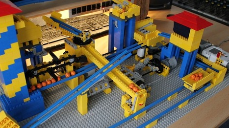 3000 Lego pieces, NXT, and Android join to become amazing contraption - Geek | Lego Mindstorms | Scoop.it