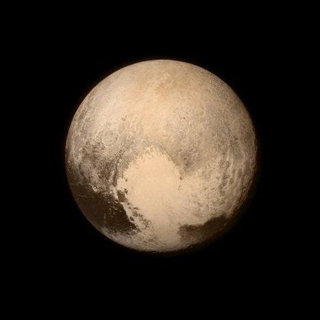 New Horizons Spacecraft Displays Pluto's Big Heart   Amazing Science   Scoop.it