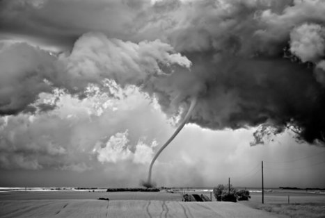 A Storm is Brewing (7 Photos) | PDN Photo of the Day | Photojournalism & Photographic Arts | Scoop.it