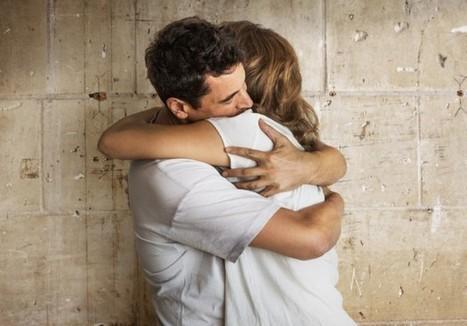 Les câlins, un bon moyen de lutter contre le rhume - Elle   zenitude - toucher bien-être strasbourg   Scoop.it