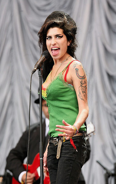 Amy Winehouse dies aged 27 – in pictures | Epic pics | Scoop.it