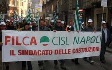 EDILI, SINDACATI IN PIAZZA: SERVE UNA SVOLTA | Roma online | Politikè | Scoop.it