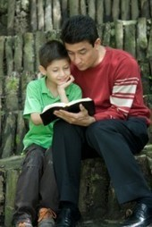Making Connections and Building Memories: Why Dads Should Read Aloud! | Dr. Z and Friends | Getting children reading | Scoop.it