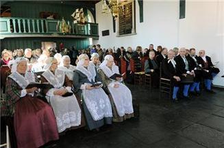 Kerkbankjes gevuld door Huizers - Dichtbij.nl   Genealogie   Scoop.it