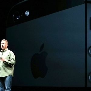 iPhone 5 sees 2m pre-orders in 24 hours | Communication, IVR and On-hold design | Scoop.it