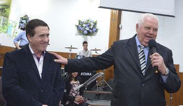 El Intendente Díaz Pérez invitado especial de la Iglesia Evangélica ... - Vida de Lanús   Clip de Noticias Lanús   Scoop.it
