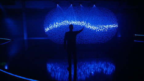 FLUIDIC – A Sculpture in Motion: An Interactive Field of 12,000 Spheres Illuminated by Lasers   What's new in Visual Communication?   Scoop.it