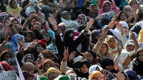 Pakistanis gather in front of Parliament to topple government | From Tahrir Square | Scoop.it