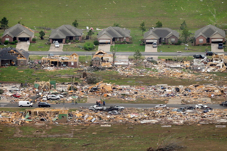 Tornadoes kill at least 18 | Best of Photojournalism | Scoop.it