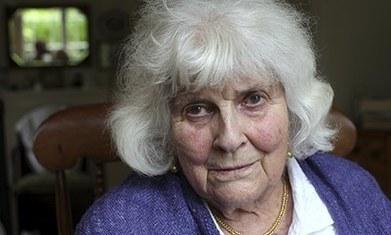 Elizabeth Jane Howard: 'I never felt that Kingsley was a better writer than me'   Writing   Scoop.it