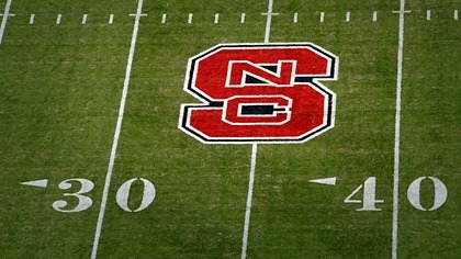 Athletic field paint steals spotlight from the grass it covers | Research from the NC Agricultural Research Service | Scoop.it