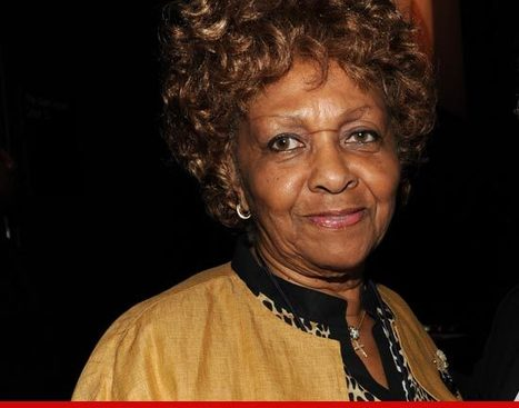 Whitney Houston's Family -- Cissy is Exploiting Whitney's Death For Cash | TheBottomlineNow | Scoop.it