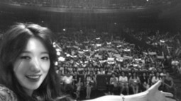 Park Shin Hye Shows a Couple of Selcas Taken With Fans During Chinese Fan Meetings | K-pop News, Korean Entertainment News, Kpop Star | Scoop.it