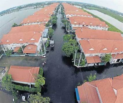 City braces for tropical storms | Thailand Floods (#ThaiFloodEng) | Scoop.it