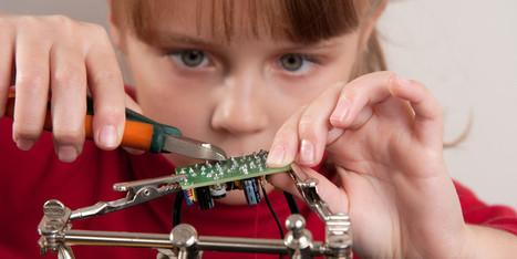 DIY Dad & Mom: Raise Your Kid to Be a Tinkerer with Cool Home Projects - MakeUseOf.com | Educational Technology in the Library | Scoop.it