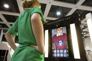 Réalité Augmentée : quand les vitrines deviennent interactives | Réalité Augmentée | Scoop.it